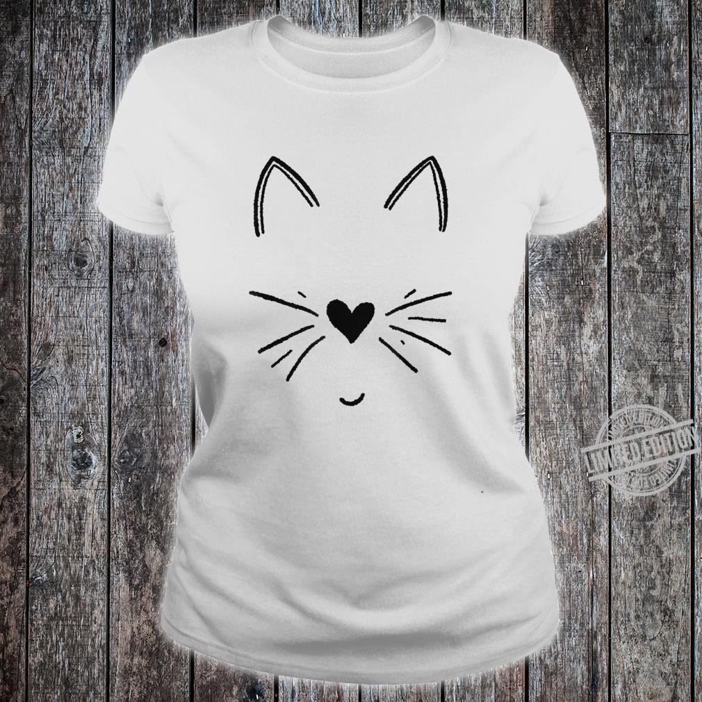 Süßes Katzengesicht mit Herz Shirt ladies tee